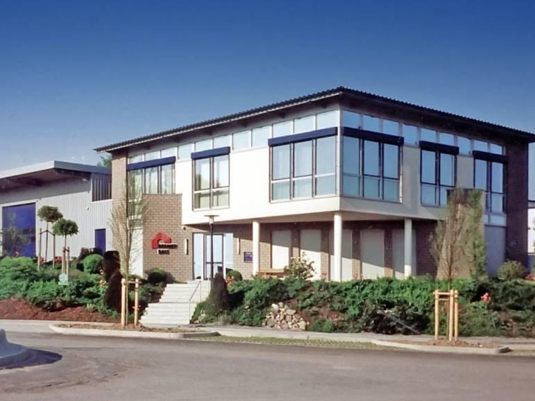 BREMER Firmensitz, Am Höfgen 22. Baujahr: 1999
